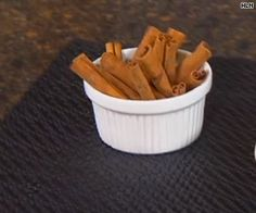 Nicholas Perricone tips on healthy spices Top With Cinnamon, Natural Medicine, Nice Body, Natural Health, Spices, Vegetables, Healthy, Tips, Food