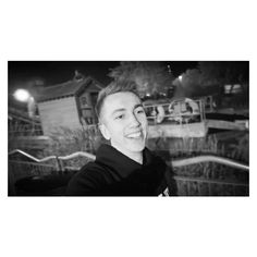 Simon Minter being Sexy af as always Miniminter Sidemen XIX ❤ liked on Polyvore featuring sidemen