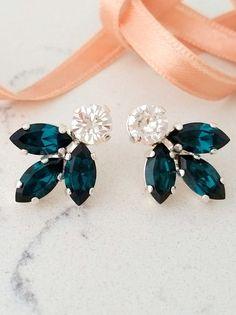 Emerald earrings,Bridal crystal earring,Emerald stud earring,Bridesmaid gift,Petite crystal earring,Emerald Cluster earring,Vintage earrings by EldorTinaJewelry  http://etsy.me/2cIG44G