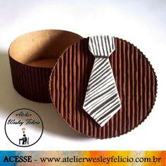 Caixa Personalizada - Atelier Wesley Felício #Artesanato #Crafts #Handmade #DiadosPais #Papel #Microondulado #Gravata #Eva #Presente