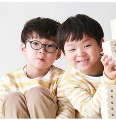 Daehan x Minguk Superman Cast, Superman Kids, Cute Kids, Cute Babies, Baby Kids, Song Il Gook, Triplet Babies, Man Se, I Miss You Guys