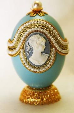 Lovely Belinda Faberge Style Decorated Egg by eggstreme on Etsy by Divonsir Borges