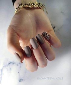 Love the matte taupe! Gelish Nails, Nude Nails, Glitter Nails, Cute Spring Nails, Spring Nail Art, Acrylic Nail Designs, Nail Art Designs, Black Acrylic Nails, Manicure E Pedicure