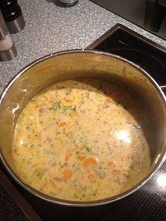 Claudis Kartoffel - Gemüse - Käsesuppe, ein beliebtes Rezept aus der Kategorie Eintopf. Bewertungen: 110. Durchschnitt: Ø 4,6.