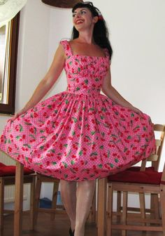 Pinup dres'Garden Cherries' gathered bust rockabilly dress, Vogue Couturier pattern