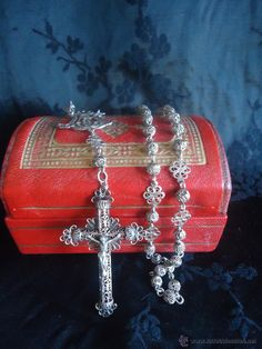 Rosario Isabelino en filigrana cincelado en plata con cuentas caladas Siglo XIX Ave María ( sold) vendido