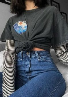 66 Outstanding Grunge Outfits Ideas For Women - Kleidung Grunge Fashion, Look Fashion, 90s Fashion, Korean Fashion, Fashion Outfits, Fashion Vintage, Lolita Fashion, Stripes Fashion, French Fashion