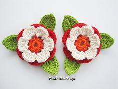 2+Häkelblumen+mit+Blättern+from+Häkelblumen+by+DaWanda.com