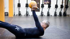 Juoksijan ei kannata skipata jalkapäivää. Juoksuvalmentaja Mikko Liukka kertoo seitsemän tärkeää vinkkiä kestävyys- ja voimaharjoittelun yhdistämiseen.