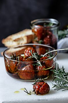 Tomates cherries confitados Kitchen Recipes, Raw Food Recipes, Cooking Recipes, Healthy Recipes, Sweet Sauce, Tasty Bites, Food Photo, Tapas, Love Food