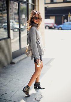 Cómo vestirse en los días de entretiempo, ideas de looks de street style. Tendencias de moda Otoño-Invierno 2015/2016. Moda en la calle
