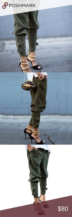 Hanallei Fashion Green Buckle Military Trousers NEW WITHOUT TAGS // AUSTRALIAN LABEL // Cute buckles feature on both pant legs // Zip closure // 70% polyester, 25% cotton, 5% spandex. Hanallei Pants Trousers