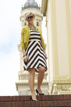 Best Fashion Tips For Women Over 60 - Fashion Trends Mature Fashion, 60 Fashion, Plus Size Fashion, Fashion Outfits, Fashion Trends, Space Fashion, Stylish Outfits For Women Over 50, Fashion For Women Over 40, Clothes For Women