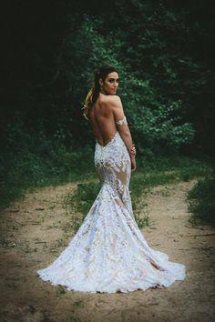 Custom Casey Jeanne open-back wedding gown <3 www.caseyjeanne.com https://www.facebook.com/CaseyJeanneAtelier https://www.facebook.com/JeannellelaAmour