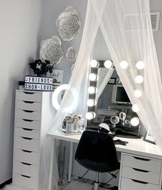 56 Ideas For Makeup Room Interior Design Rangement Makeup, Dressing Room Design, Dressing Room Decor, Vanity Room, Glam Room, Room Goals, Room Interior Design, Beauty Room, Dream Rooms