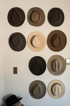 Finest DIY Hat Rack Ideas for Your Hat Organizer Have you found the best way to organize your hat collection? Whether you prefer a holder, hook, or stand, this DIY hat rack ideas is something you must see! SEE DETAILS Closet Organization, Fashion Mode, Mens Fashion, Fashion Hats, Guy Fashion, Diy Hat Rack, Wall Hat Racks, Hat Hanger, Ties