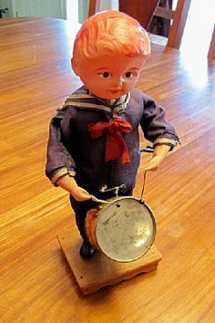 Adorable wind up antique toy for sale!