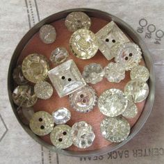 I love buttons... my mother has a ton of them and most of them are from my grandma who was a fabulous seamstress!