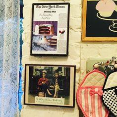 A must in Bleecker Street: Magnolia Bakery/Bleecker street'te mutlaka uğranması gereken bir pastane:Magnolia bakery.sex and the city takipçileri zaten biliyordur mekanıdizide bolca geçerdi #magnoliabakery #bleecker #nyc #gezenchi #lovenyc #travel #travelblogger #gezi #seyahat #vsco #sexandthecity
