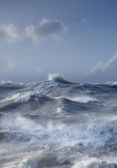 I never felt like the ocean was clear. The waters I know best look like lapis lazuli in on a cloudless day, opaque shining blue; when the clouds roll in it is granite, hard and dense.   #TaraMedium