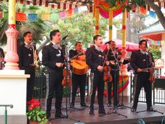 Viva Navidad Mariachi at #Disney's California Adventure