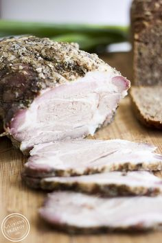Karkówka pieczona w soli Pork Recipes, Recipies, Polish Recipes, Polish Food, Traditional Kitchen, Charcuterie, Steak, Beef, Homemade