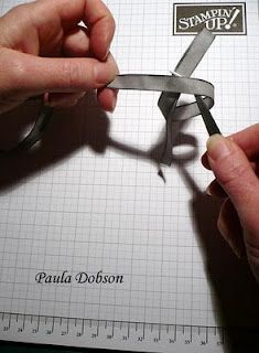 tutorial on bow tying Card Making Tips, Card Making Techniques, Making Ideas, Bow Making, Bow Tutorial, Get Well Cards, Ribbon Crafts, Card Tutorials, Card Sketches