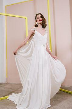 Boda a la vista » Etérea y femenina: así es la nueva colección de Beba´s Closet Zinnias, Bridal, Chic Wedding, Formal Dresses, Wedding Dresses, One Shoulder Wedding Dress, Marie, Plus Size, Ideas