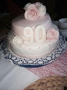 Geburtstagskuchen für die Oma zum 90. Geburtstag ❤️