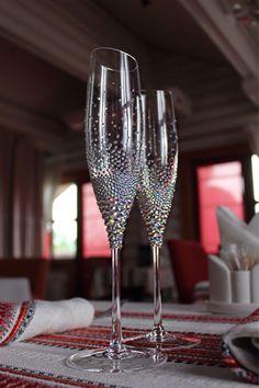 "Купить Свадебные бокалы ""Роскошь"" - свадебные бокалы, свадебные аксессуары, бокалы для свадьбы, бокалы для молодоженов Wedding Toasting Glasses, Wedding Champagne Flutes, Wedding Bottles, Champagne Glasses, Toasting Flutes, Diy Wine Glasses, Decorated Wine Glasses, Hand Painted Wine Glasses, Diy Wedding Wine Glasses"