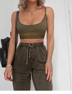 New Cute Outfits and Cool Fashion Look Ideas Of Popular Wear – New Cute Outfits … - sweatshirt fashion Cute Comfy Outfits, Sporty Outfits, Teen Fashion Outfits, Stylish Outfits, Summer Outfits, Girl Outfits, Fashion Tips, Summer Clothes, Fashion Clothes