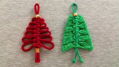 Macrame Art, Macrame Design, Macrame Projects, Christmas Craft Projects, Diy Christmas Gifts, Christmas Crafts, Handmade Rakhi, Yarn Flowers, Homemade Ornaments