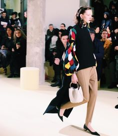 This look at @marni  #obsessed #thassiaMFW #morning #MFW #btviaja by thassianaves