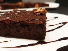 Brownie sin harina y sin azúcar saludable | Dulces Diabéticos Keto Snacks, Healthy Desserts, Healthy Recipes, Healthy Food, Cure Diabetes Naturally, Eat Seasonal, Sugar Free Recipes, Chocolate Brownies, Bakery
