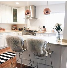Awesome 41 Awesome Small Apartment Kitchen Remodel Ideas https://bellezaroom.com/2017/09/16/41-small-apartment-kitchen-ideas/