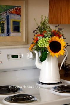 decor gifts fall decor 2019 decor essentials decor with red accents decor valance decor ideas for fireplace is farmhouse decor so popular decor ugly Country Farmhouse Decor, Farmhouse Kitchen Decor, Farmhouse Style, Country Cottage Living Room, Country Kitchen, Sunflower Arrangements, Table Arrangements, Floral Arrangements, Sunflower Kitchen