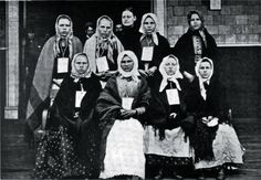 Polish and Slovak Women     135,000 of these people were admitted in 1906      Polish and Slav women