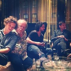 "Pin for Later: Mind-Blowing Pictures of the Game of Thrones Cast Hanging Out in Real Life Pedro: ""Blokes. Game Of Thrones Besetzung, Game Of Thrones Funny, Valar Dohaeris, Valar Morghulis, Ramsey Bolton, Mind Blowing Pictures, Finn Jones, Nikolaj Coster Waldau, Jaime Lannister"