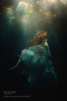 Depths - Pinned by Mak Khalaf Here's my first attempt at underwater photography! Look for more soon! :) Learn my editing techniques! In this 1hr tutorial I'll discuss some of the tips and tricks I've discovered in Photoshop to give photos a cinematic/artistic feel! You won't be disappointed! Model: Victoria Yore Fine Art portraitseabeautywaterlightbeautifulhairconceptualdressdreamartisticdramaticunderwaterfine art by tjdrysdale