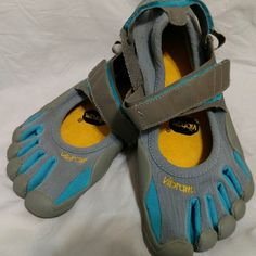 Vibram Fivefingers Barefoot Five Finger Toe Shoes Slight signs of wear but in really good condition. Vibram Shoes Athletic Shoes