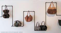industrial pipe for fashion items display Market Displays, Store Displays, Handbag Display, Tree Bag, Sign Display, Display Ideas, Pipe Furniture, Steel Furniture, Store Fixtures