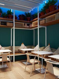 Fastvínic, Barcelona... Es eco, es local y es gourmet, y consigue ser además un sitio donde disfrutar y aprender de vinos.
