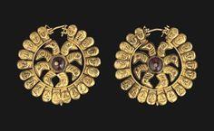 A PAIR OF PARTHIAN GOLD EARRINGS - 1ST-3RD CENTURY A.D.