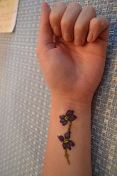 "coolTop Friend Tattoos - ""Forgiveness is the fragrance that the violet sheds on the heel that has c. Wrist Tattoos Girls, Small Wrist Tattoos, Girl Tattoos, Tatoos, Fashion Tattoos, Violet Flower Tattoos, Violet Tattoo, Sunflower Tattoo Shoulder, Sunflower Tattoo Small"