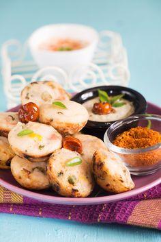 Kuzhi Paniyaram recipe is popular breakfast and tea time tiffin item recipe from Tamilnadu .