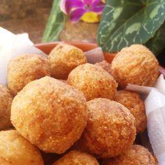 Bolotas de mandioca e jaca louca Mole, Pitta, Vegan, Cassava Cake, Acorn, Other Recipes, Cupcake, Cake Receipe, Soy Protein