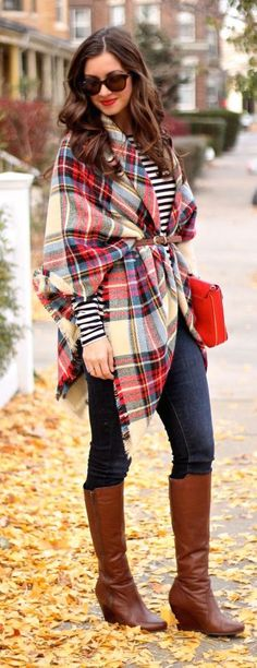 Wondering how to wear a scarf? Check out Stylish Outfit Ideas For How To Wear A Scarf. Wearing scarfs are fun because they look so stylish! Plaid Blanket Scarf, Tartan Scarf, How To Wear A Blanket Scarf, Tartan Dress, Looks Chic, Looks Style, Fall Winter Outfits, Autumn Winter Fashion, Winter Style