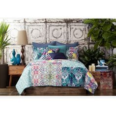 Tracy Porter For Poetic Wanderlust 'Florabella' Quilt ($130) ❤ liked on Polyvore featuring home, bed & bath, bedding, quilts, teal multi, teal bedding, patchwork bedding and teal blue bedding