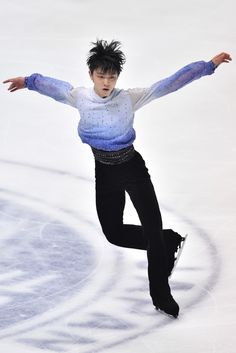 Yuzuru Hanyu of Japan competes in the Men Short Program during day one of ISU Grand Prix of Figure Skating 2014/2015 NHK Trophy at the Namihaya Dome on November 28, 2014 in Osaka, Japan.