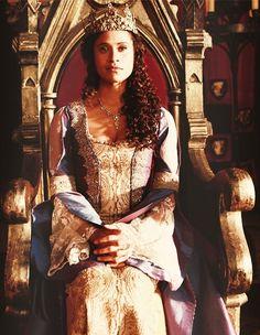 Gwen | Merlin BBC | Wallpaper • Long Live the Queen